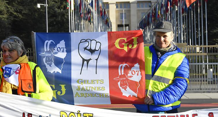 Les gilets jaunes crient leur désarroi devant l'ONU à Genève