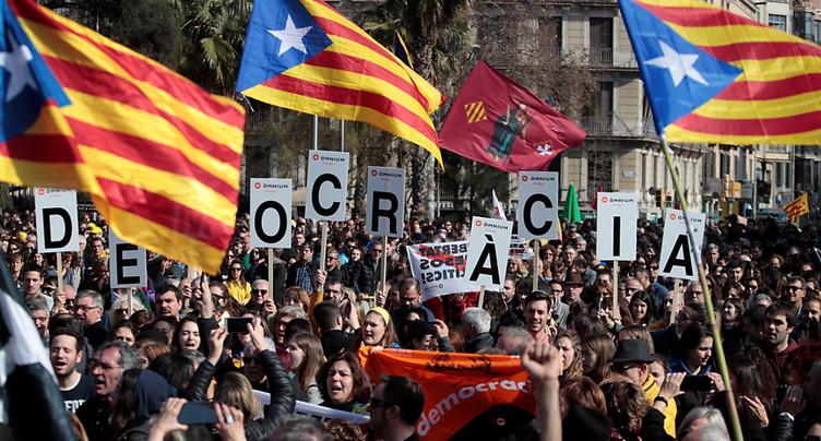 Procès des indépendantistes catalans: routes coupées pour protester