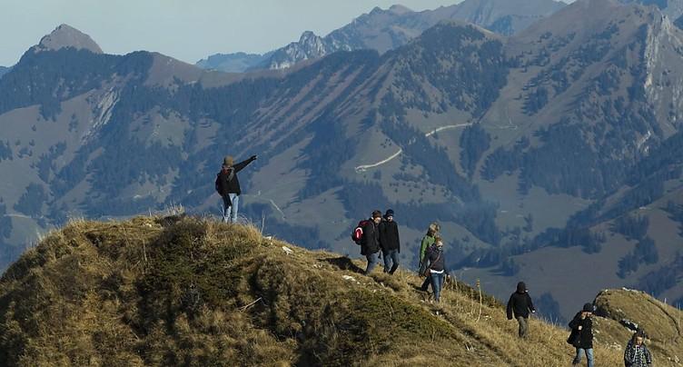 Vaud: une touriste française se tue en montagne