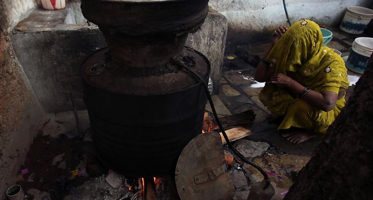 Inde: de l'alcool frelaté tue 69 personnes
