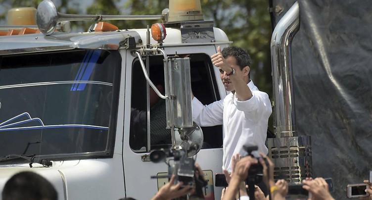 Guaido annonce l'entrée d'un premier camion d'aide depuis le Brésil