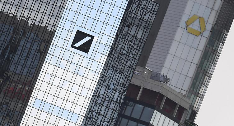 Affaiblies, Deutsche Bank et Commerzbank parlent d'une fusion