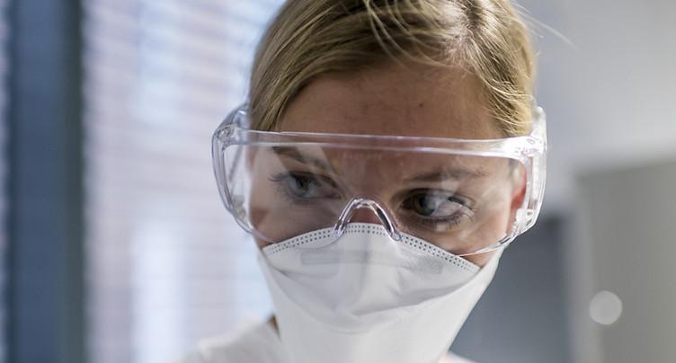 Encore trop peu de médecins femmes aux postes de cadre en Suisse