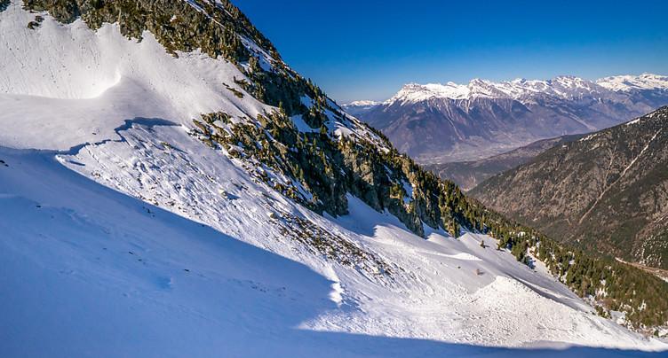 Un mort et un blessé dans une avalanche au-dessus de Martigny (VS)