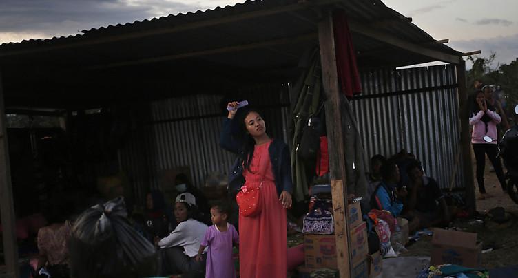 Des milliers d'enfants sans toit six mois après le séisme de Palu