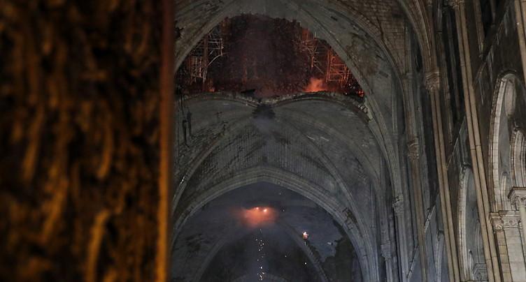 Un ministre émet des doutes sur la structure de Notre-Dame
