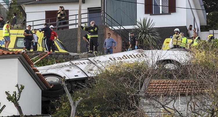 28 morts dans l'accident d'un bus touristique à Madère