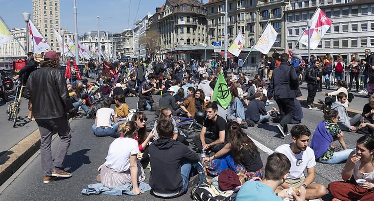 Un dîner en faveur du climat a bloqué le Grand-Pont de Lausanne