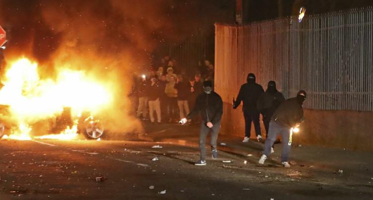 Femme tuée à Londonderry: la police parle d'un incident terroriste