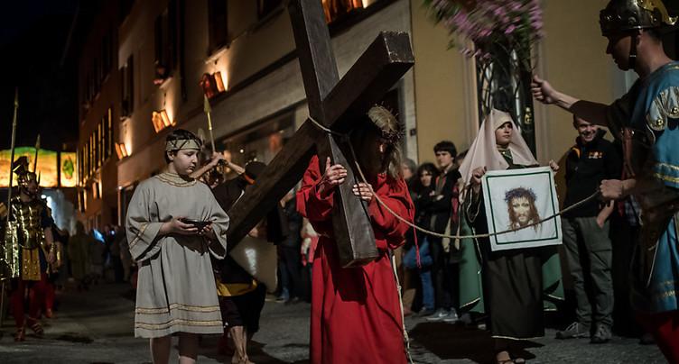 Jésus monte au Golgotha pour la 221e fois à Mendrisio