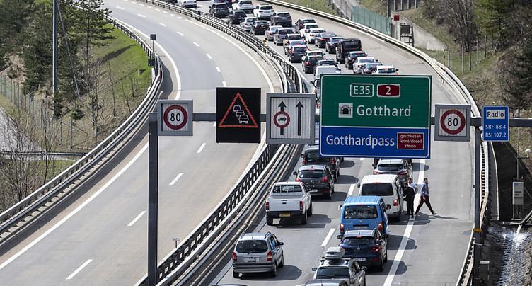 Le portail nord du tunnel du Gothard encore embouteillé sur 12 km