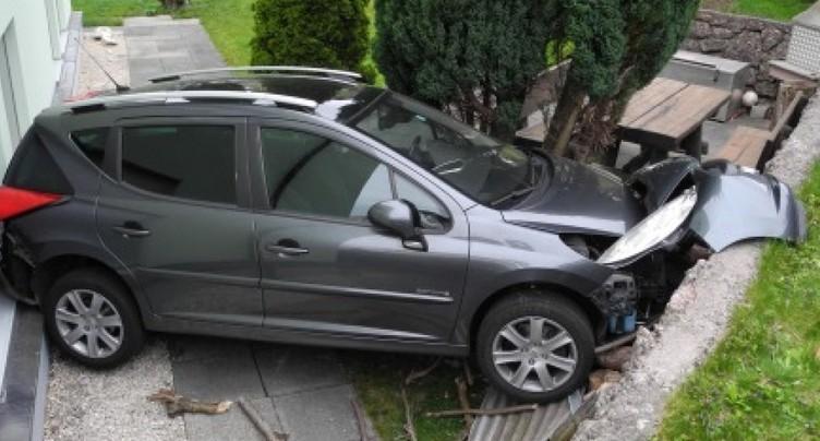 Une voiture « volée » roule toute seule à Goldau (SZ)