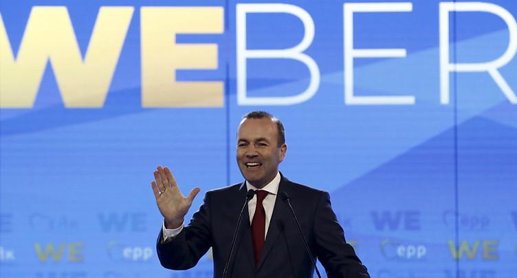 Le chef de la droite lance sa campagne à Athènes