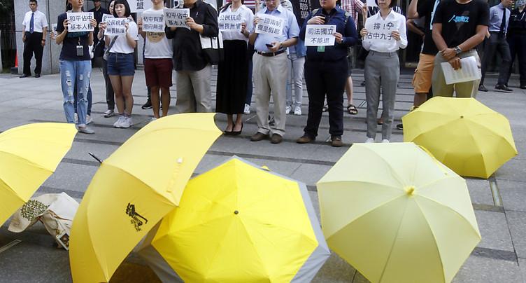 Jusqu'à 16 mois de prison pour des militants prodémocratie