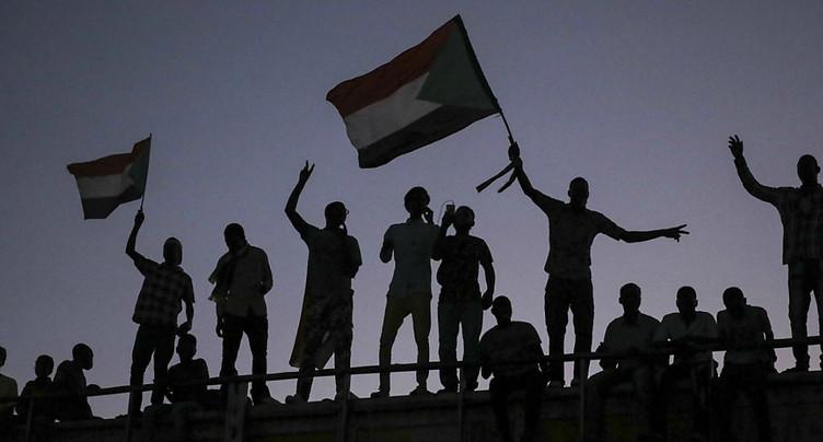 « Accord » encore vague au Soudan entre militaires et civils
