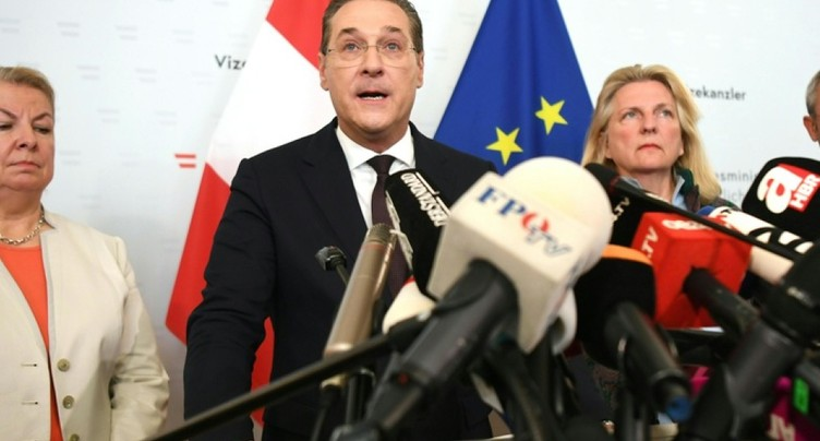 Démission du vice-chancelier d'extrême-droite Strache (officiel)