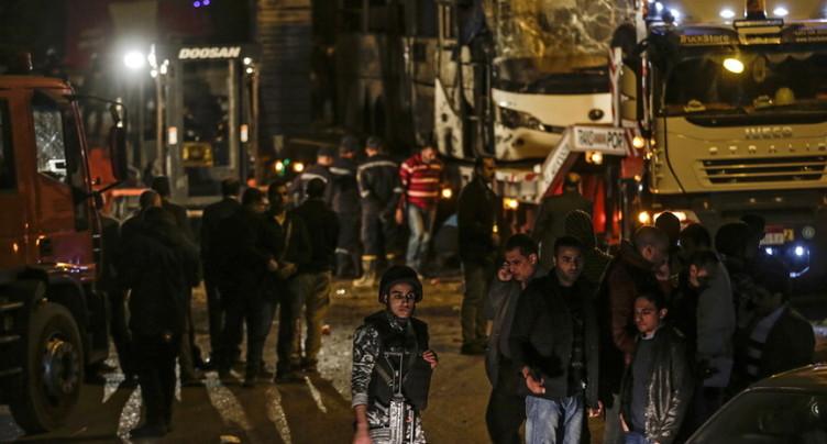 Explosion dans un bus touristique au Caire: au moins 17 blessés