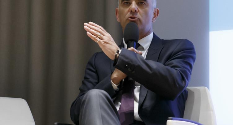 Les Suisses se prononcent sur le projet fiscal et les armes