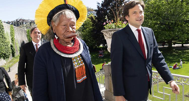 Genève soutient Raoni contre Bolsonaro et veut la pression de Berne