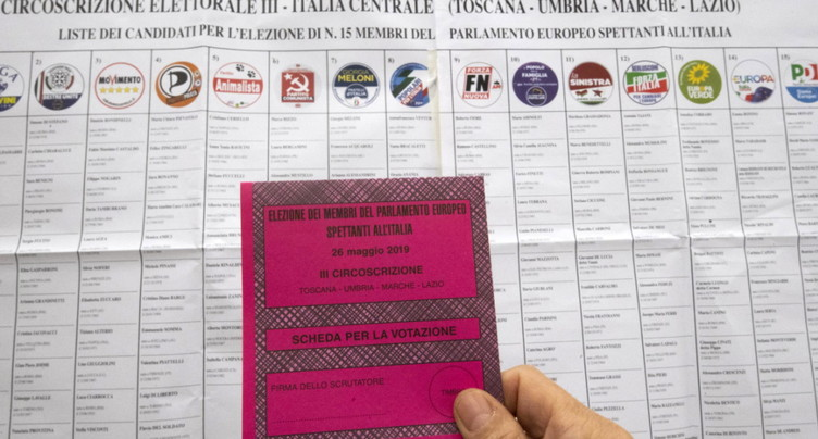 Début du vote pour la journée finale des élections européennes