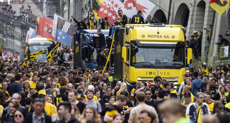 Young Boys: des milliers de personnes à Berne fêtent leur équipe championne