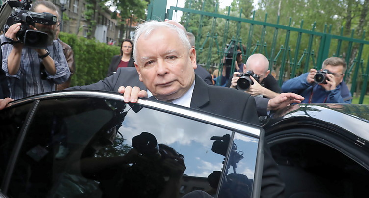 Pologne: les conservateurs au pouvoir remportent le scrutin européen