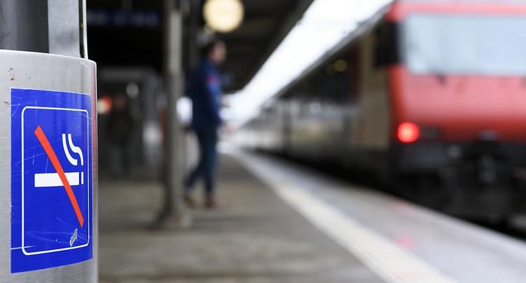 Transition en douceur pour bannir la clope des quais de gare
