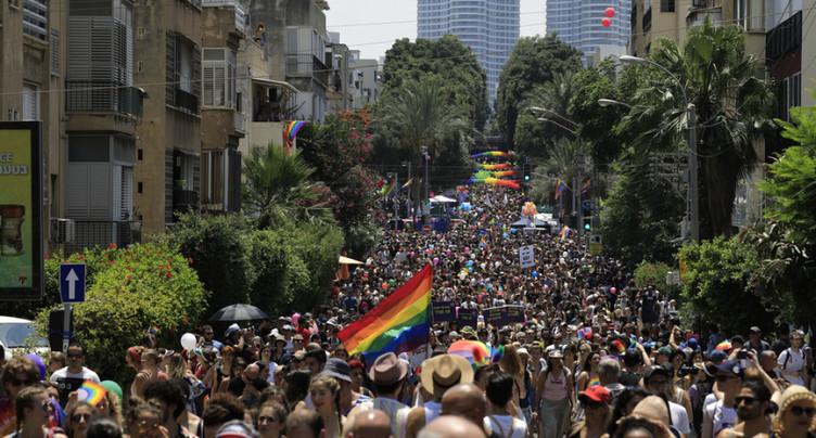 Des dizaines de milliers de gays et trans font la fête à Tel-Aviv