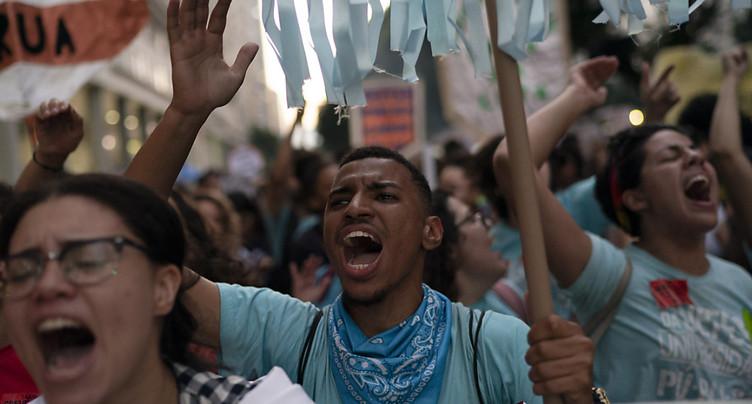 Grève générale au Brésil: les transports publics touchés