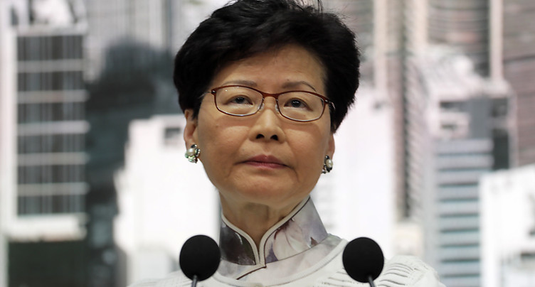 Hong Kong: suspension du projet de loi sur l'extradition vers la Chine