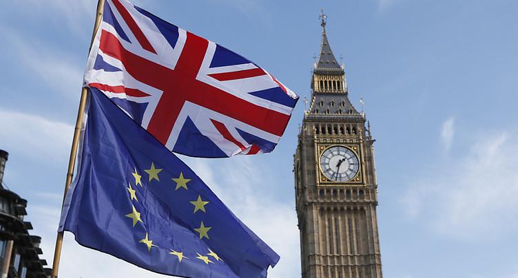 GB: l'inflation ralentit un peu à 2,0% en mai sur un an