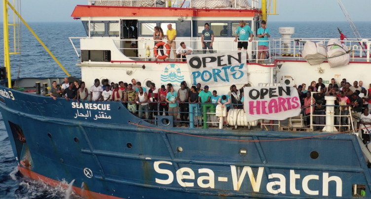 Le bras de fer se poursuit autour du Sea-Watch bloqué à Lampedusa