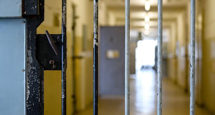 Un détenu décède après avoir mis le feu à sa cellule