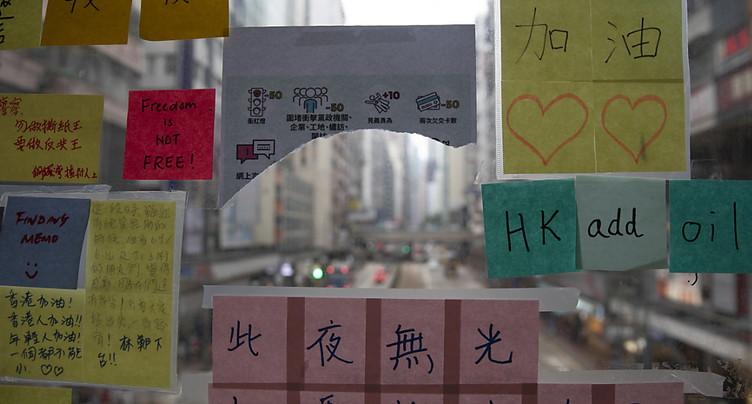 « Imagine »: les « murs de Lennon » fleurissent partout à Hong Kong
