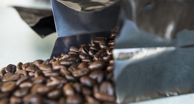 Le Conseil fédéral remet en question les réserves de café