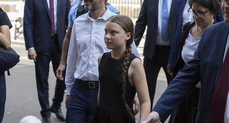 Greta Thunberg ironise face aux attaques des députés français