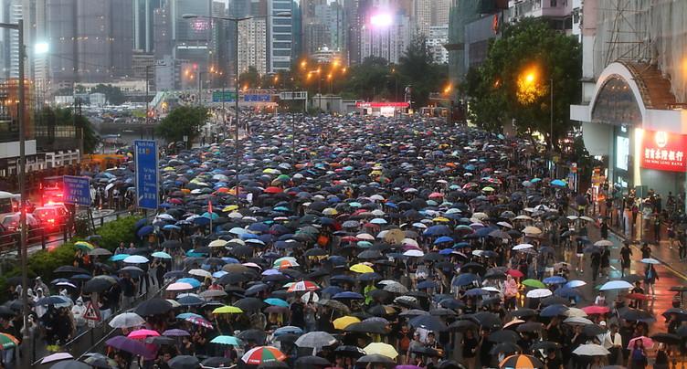 Hong Kong: la plus grande manifestation pro démocratie depuis des semaines