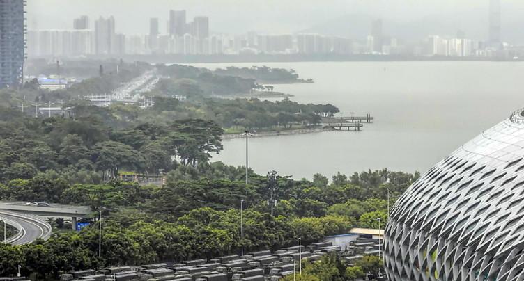 Shenzhen, la ville frontière à des années-lumière de Hong Kong