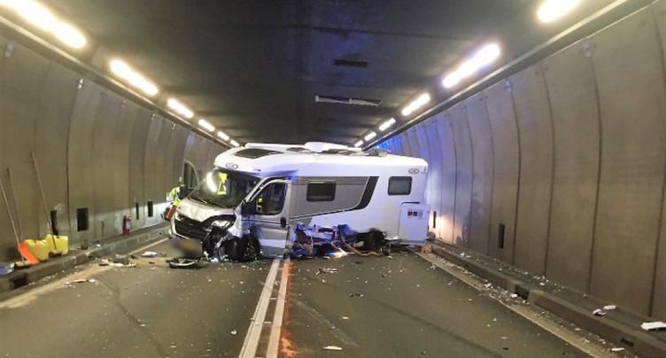 Accident de la route au Gothard, tunnel fermé dans les deux sens