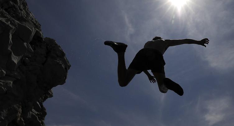 Corse: un Suisse de 50 ans se noie en sautant dans une rivière