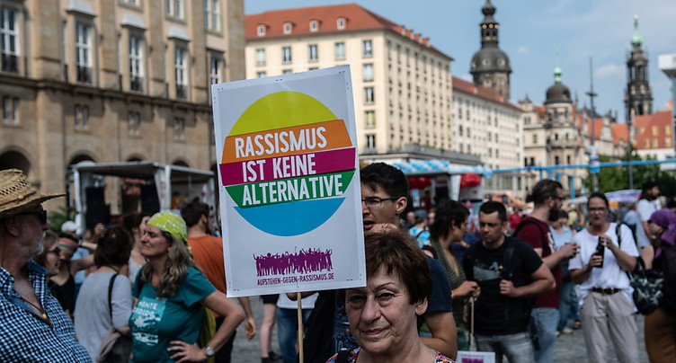 Des milliers de manifestants à Dresde contre l'extrême droite