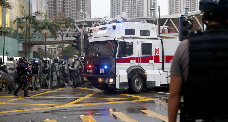 Hong Kong: canons à eau utilisés contre des manifestants