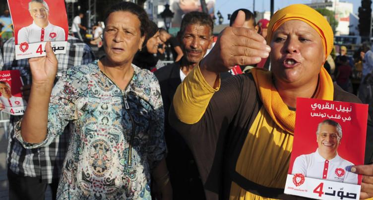 Les Tunisiens tranchent après des semaines d'incertitude