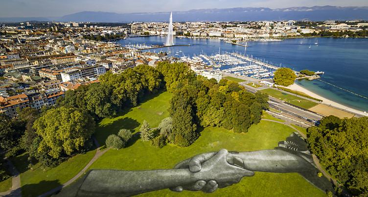 L'artiste Saype revient à Genève avec deux fresques géantes