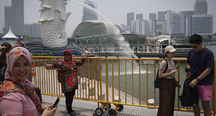 Singapour évite la récession et assouplit sa politique monétaire