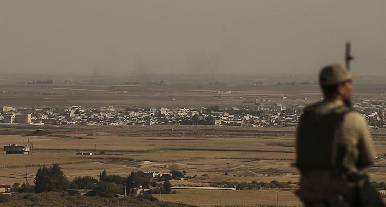 Les forces du régime syrien se rapprochent de la frontière turque