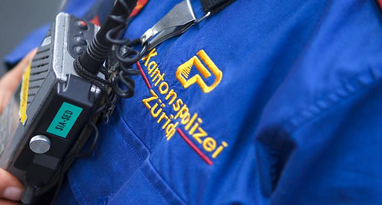 Policière blessée par une voiture en fuite à Neftenbach (ZH)