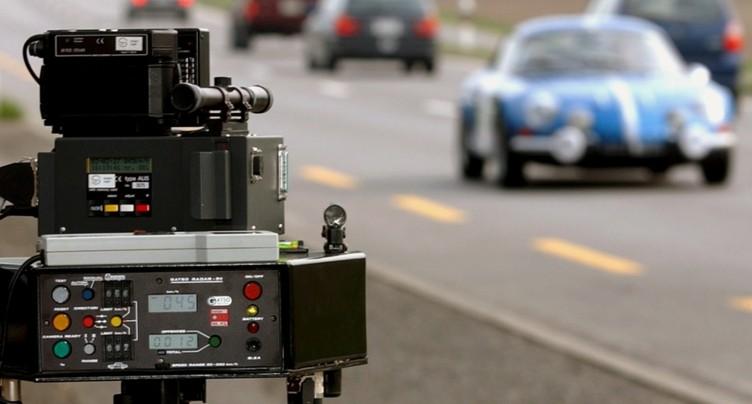 Conducteur flashé à 191 km/h sur un tronçon limité à 80 à Rafz (ZH)