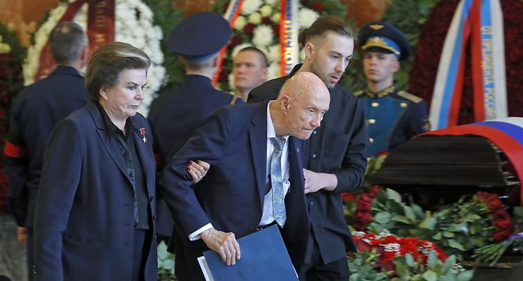 La Russie fait ses adieux au premier « piéton de l'espace »