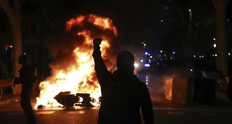 Espagne: 51 arrestations après les violences en Catalogne